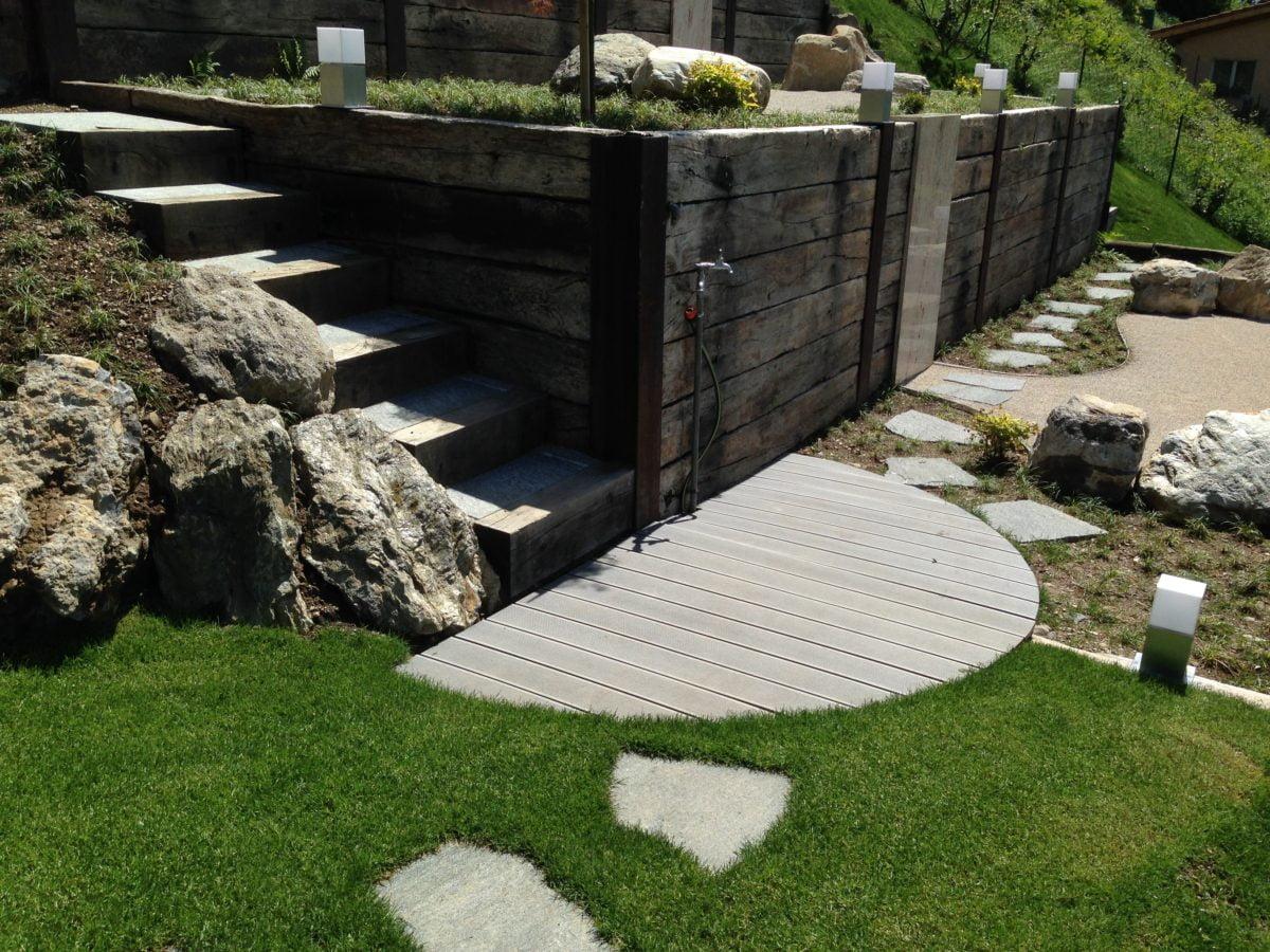 Giardini in pendenza foto njpg come ricavare un bel for Costruire un garage su un terreno in pendenza